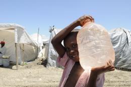 Refugee water_60859639