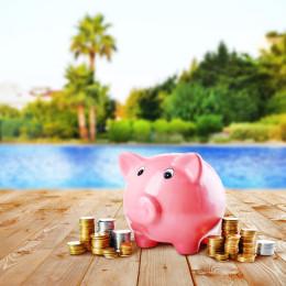 beach piggy bank_249723613
