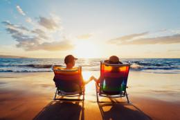 beach retirement_98725502