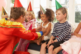 Childrens party_104961623